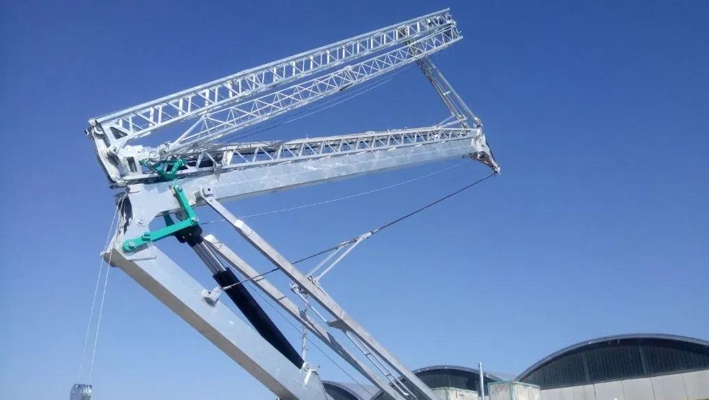 Stavebný žeriav Cattaneo CM 90S4 | TOP CRANES