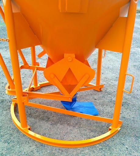 Príslušenstvo pre žeriavy - kôš na betón 750L s manuálnym ovládaním | TOP CRANES